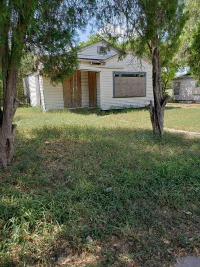 604 LOPEZ ST, Robstown, TX 78380 - Photo 1