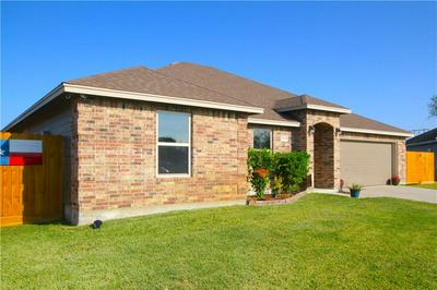 1006 BLUECREST LN, Beeville, TX 78102 - Photo 1