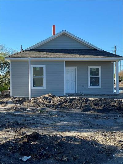 1754 17TH ST, Corpus Christi, TX 78404 - Photo 1