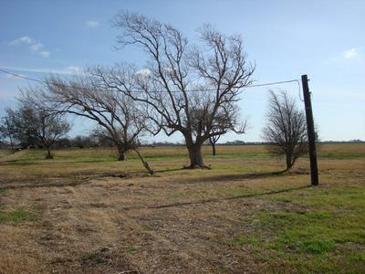 27 ROYAL RD, PORT LAVACA, TX 77979 - Photo 1