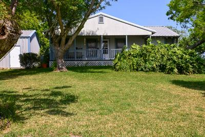 516 GUADALUPE, PORT LAVACA, TX 77979 - Photo 1