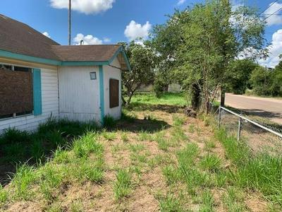 425 W EDWARDS ST, Falfurrias, TX 78355 - Photo 1
