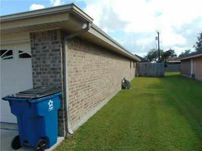 1104 ADELINE ST, Sinton, TX 78387 - Photo 2