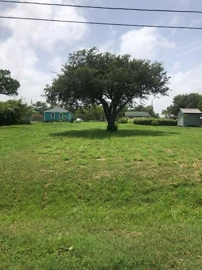 735 S ANN ST, Rockport, TX 78382 - Photo 1