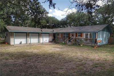 224 OAK HILL DR, Beeville, TX 78102 - Photo 1