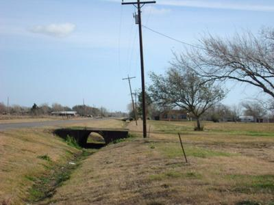 26 ROYAL RD, PORT LAVACA, TX 77979 - Photo 1
