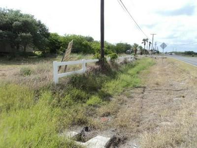 102 LAGO VISTA DR, Rockport, TX 78382 - Photo 2