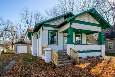 414 S COLLIER ST, CENTRALIA, MO 65240 - Photo 2