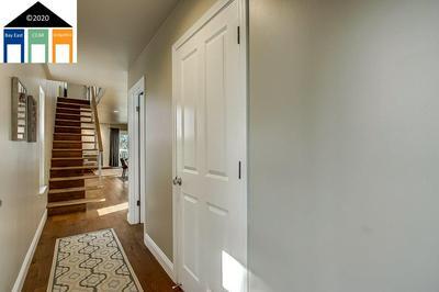 522 TEWKSBURY AVE, RICHMOND, CA 94801 - Photo 1