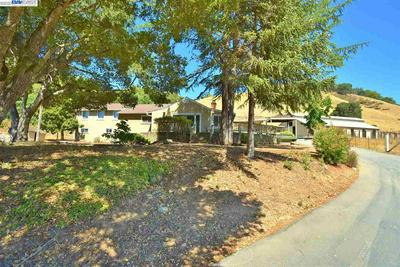 6570 CROW CANYON RD, CASTRO VALLEY, CA 94552 - Photo 1