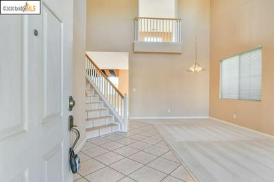 88 GOLD CREST CT, PITTSBURG, CA 94565 - Photo 2