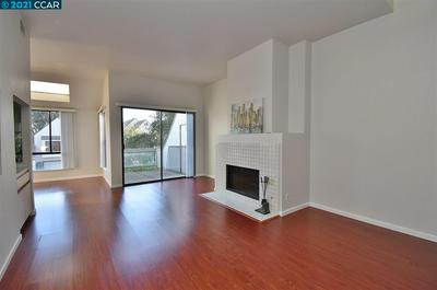 2658 MEADOW CREST CT, RICHMOND, CA 94806 - Photo 2
