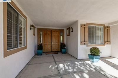2574 BESS AVE, LIVERMORE, CA 94550 - Photo 2