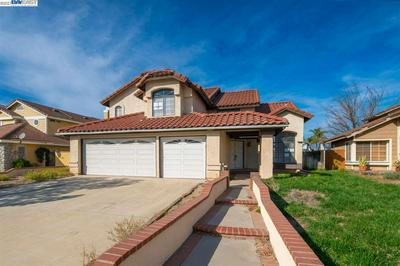 2909 E BLACK HORSE DR, ONTARIO, CA 91761 - Photo 2