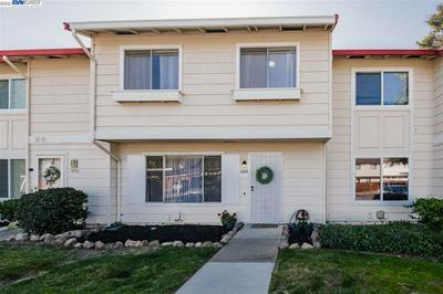 1042 SPRING VALLEY CMN, LIVERMORE, CA 94551 - Photo 2
