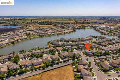 1037 CLEAR LAKE DR, OAKLEY, CA 94561 - Photo 2