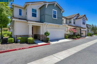 102 HALSEY WAY, PITTSBURG, CA 94565 - Photo 2
