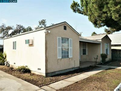 705 N GRATTON AVE, STOCKTON, CA 95205 - Photo 2