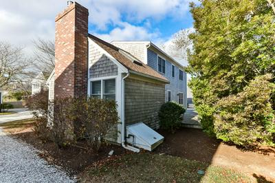 8 LOBSTER LN, Chatham, MA 02633 - Photo 2