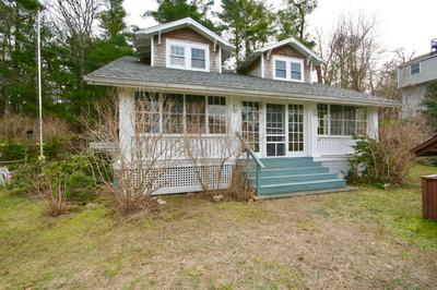42 WYMAN AVE, Bourne, MA 02532 - Photo 2