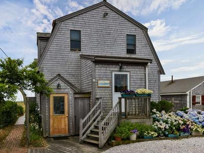 7 GARFIELD AVE, Provincetown, MA 02657 - Photo 2