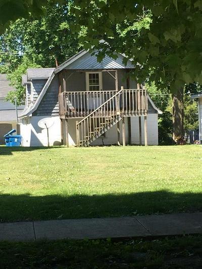 504 HONEYWELL PARK, Hoopeston, IL 60942 - Photo 2