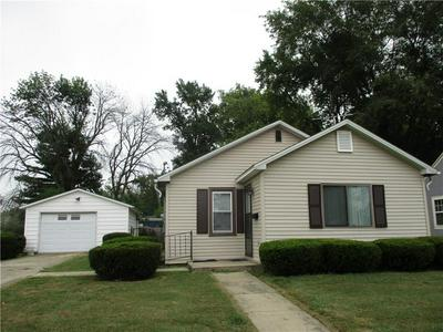 521 N VINE ST, Shelbyville, IL 62565 - Photo 1
