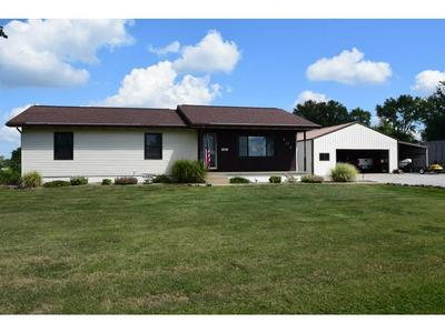 401 W TEXAS ST, Oblong, IL 62449 - Photo 1