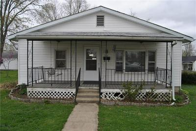 303 N 10TH ST, Marshall, IL 62441 - Photo 1