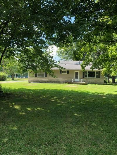 10787 N HICKORY LN, Casey, IL 62420 - Photo 2
