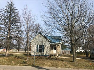 515 N 2ND ST, Marshall, IL 62441 - Photo 1
