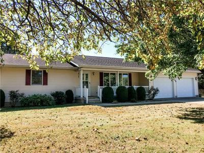 708 W GRANT AVE, Altamont, IL 62411 - Photo 1