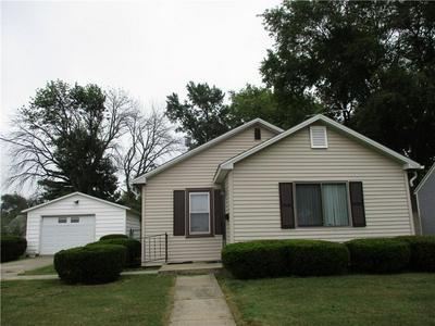 521 N VINE ST, Shelbyville, IL 62565 - Photo 1