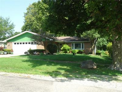 717 N CHESTNUT ST, Shelbyville, IL 62565 - Photo 2