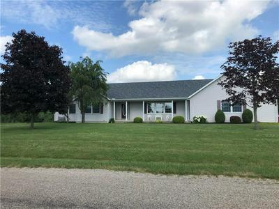 215 GOLF COURSE RD, Marshall, IL 62441 - Photo 1