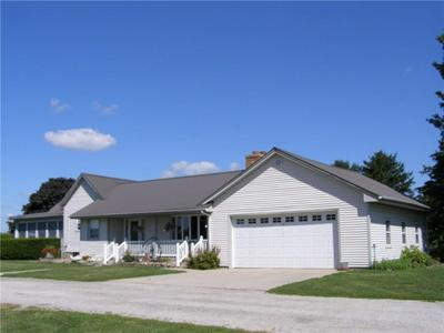 1559 STATE HIGHWAY 32, Sullivan, IL 61951 - Photo 2