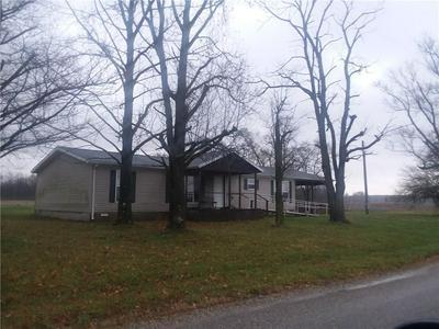 9232 N 450TH ST, Altamont, IL 62411 - Photo 1