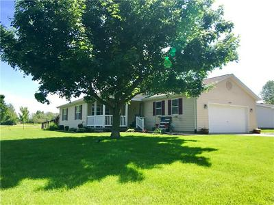 1602 S 9TH ST, Marshall, IL 62441 - Photo 2