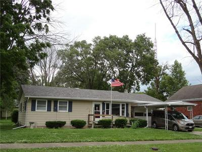 713 W NORTH 2ND ST, Shelbyville, IL 62565 - Photo 1