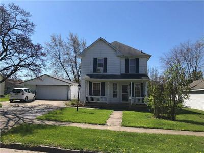 411 E SEMINARY AVE, Hoopeston, IL 60942 - Photo 1