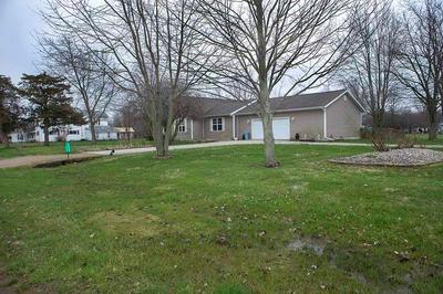 309 W MADISON ST, Shumway, IL 62461 - Photo 2