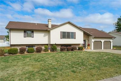 300 E SANTA MARIA AVE, Effingham, IL 62401 - Photo 2