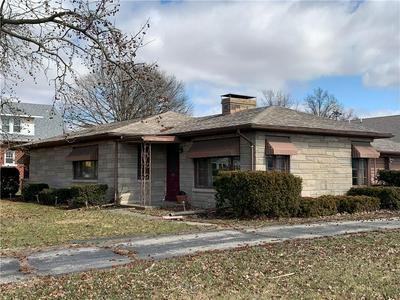 401 S MAIN ST, ALTAMONT, IL 62411 - Photo 2