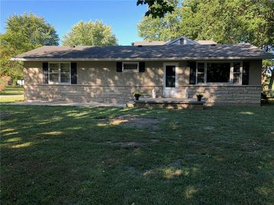 10787 N HICKORY LN, Casey, IL 62420 - Photo 1