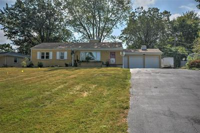 12 N COUNTRY CLUB RD, Decatur, IL 62521 - Photo 1