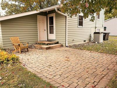 515 W COLUMBIA ST, Danville, IL 61832 - Photo 2