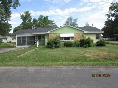 114 E MATTOX ST, Sullivan, IL 61951 - Photo 1