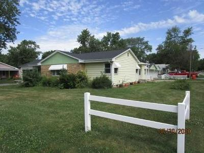 114 E MATTOX ST, Sullivan, IL 61951 - Photo 2