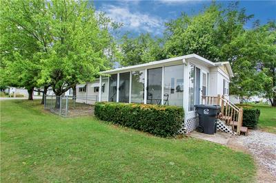 6 W FLORIDA AVE, Casey, IL 62420 - Photo 2