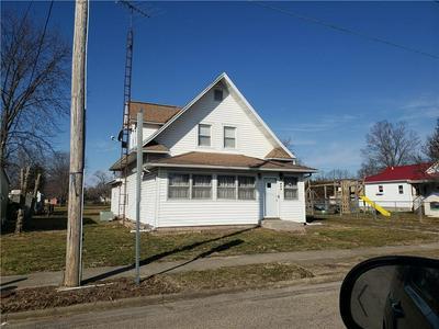 411 N LOGAN ST, OAKLAND, IL 61943 - Photo 2